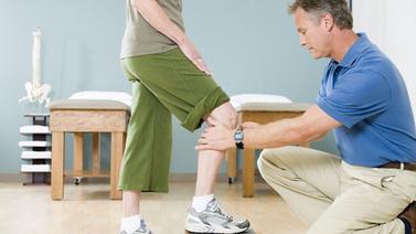 膝关节置换或减轻侧髋膝关节负担